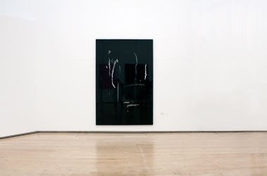 <em>Perpetual Movement</em>, 240 x 160 cm, Acryl, Lack, Lackspray, Folie auf Leinwand, Installation View The Lowry, Manchester, 2016