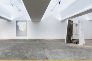 <em>labo(rat)ori</em>, 200 x 135 cm, 185 x 130 cm, Acryl, Lack, Lackspray, Folie auf Leinwand, installation view PMAM, London 2017