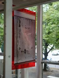 <em>apposite</em> ca. 80 x 140 x 70 cm, Digitaldruck auf Banner, Folie, Ausstellungsansicht Kosmetiksalon Babette, Berlin 2017, Detail, photo: Cosima Tribukeit