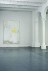 240 x 160 cm, Lack, Acryl, Lackspray, Folie auf Leinwand, 2014, Ausstellungsansicht <em>on the same side of the water</em>, Kapelle Bethanien