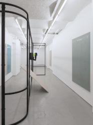 <em>after white</em> Ausstellungsansicht FOLD, London 2018