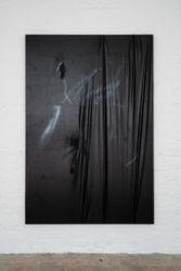 <em>deconnotation</em>, 200 x 135 cm, Acryl, Lack, Lackspray, Lacktex Öltuch auf Leinwand, installation view frontviews, Berlin 2018